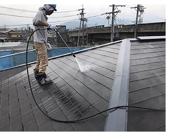 長野市屋根塗装工事のようす